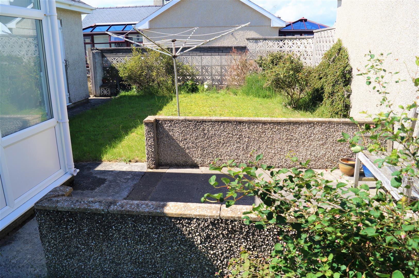 Innes Estate, Pwllheli